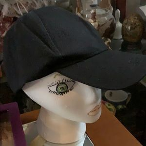 Black Cap 🧢